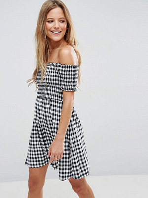 ASOS Off Shoulder Sundress With Shirring In Gingham - Mono gingham