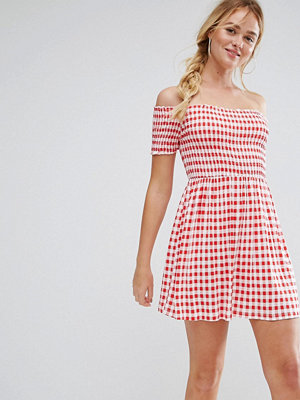 ASOS Off Shoulder Sundress With Shirring In Gingham - Red gingham