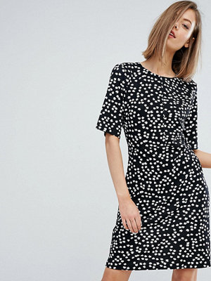 Warehouse Ditsy Floral Shift Dress