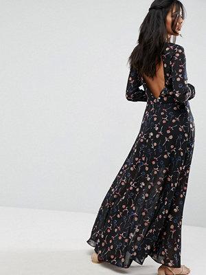 Liquorish Backless Maxi Dress In Floral Print - Print