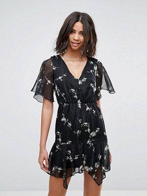 Miss Selfridge Floral V Neck Tea Dress