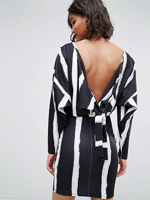 ASOS Knot Back Batwing Dress In Blurred Stripe Print - Blurred stripe