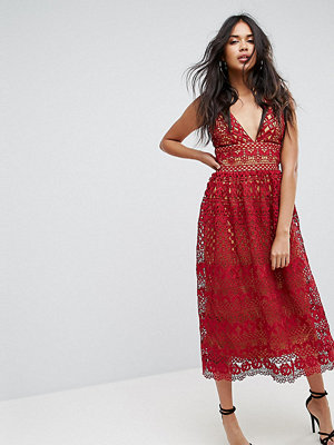 Boohoo V Neck Midi Lace Dress - Crimson