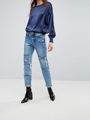 Noisy May Kim Ledigt skurna boyfriendjeans Denim