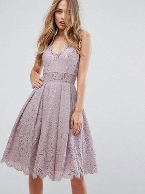 Chi Chi London Cami Strap Midi Dress in Premium Lace - Mauve