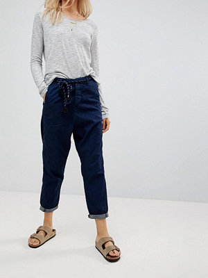 Maison Scotch Tapered Jeans with Rope Belt