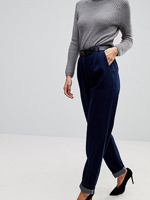 Asos Tall Tapered Jeans with Curved Seams and Belt in indigo Wash