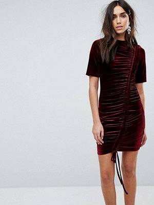 PrettyLittleThing Ruched Detail Velvet Dress - Burgundy