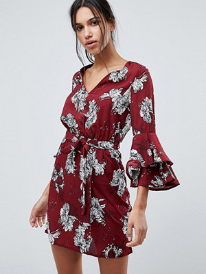 Parisian Floral Dress With Flare Sleeve And Tie Waist - Wine