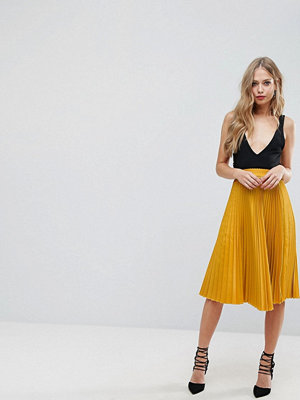 Outrageous Fortune Full Pleated Midi Skirt - Mustard