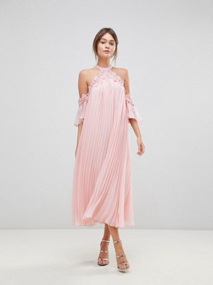 True Decadence Pleated Swing Dress With Cold Shoulder Detail - Pale peach