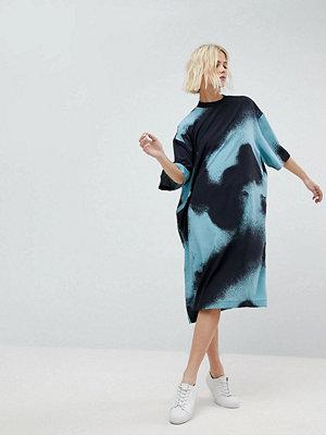Weekday T-Shirt Midi Dress