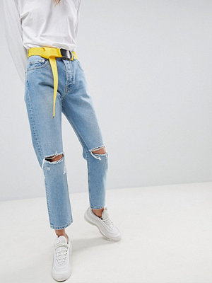 ASOS DESIGN Florence authentic straight leg jeans in pretty wash with belt - Pretty mid wash