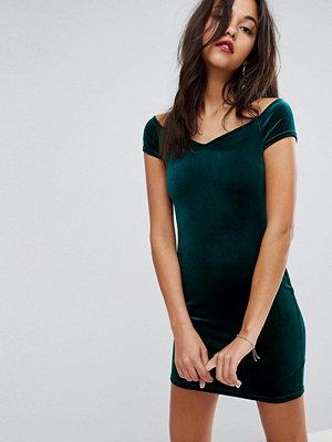Miss Selfridge Exclusive Sweetheart Velvet Dress