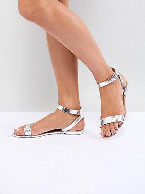 ASOS DESIGN Felina Jelly Flat Sandals