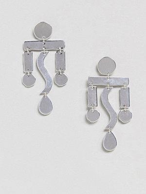 Weekday örhängen Drop Shape Statement Earring - Silver