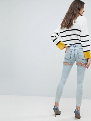 ASOS LISBON Skinny Midrise Jeans in Patience Light Wash with Bum Rips in Ankle Grazer Length - Patience l