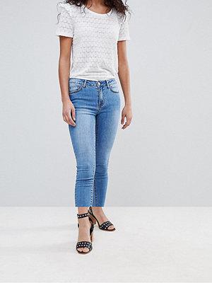 Vila Jeans med smal passform och fransig kant
