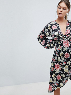 PrettyLittleThing Floral Asymmetric Dress - Black