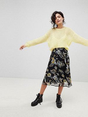 Gestuz Black Flower Print Midi Skirt