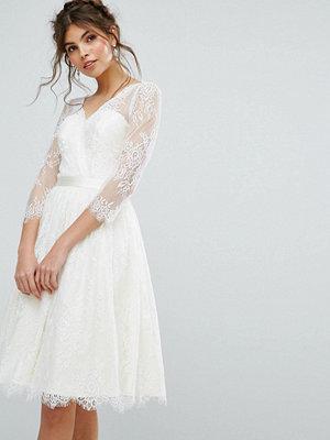 Chi Chi London Lace Overlay Dress - Ivory