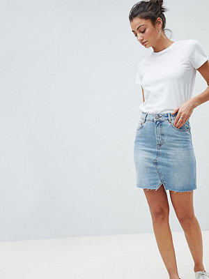 Asos Tall ASOS DESIGN Tall denim pelmet skirt in lightwash blue