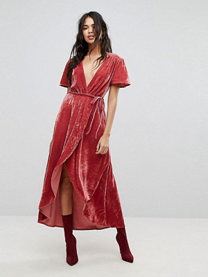 PrettyLittleThing Velvet Wrap Midi Dress