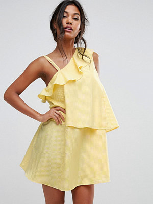 Boohoo Gingham Tiered One Shoulder Dress