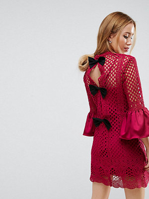 True Decadence Petite Premium Lace Cutwork Mini Shift Dress With Bow Back Detail