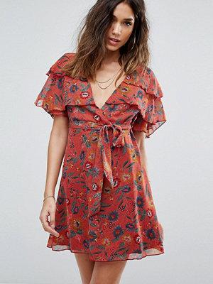 Boohoo Floral Tea Dress