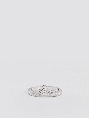 ASOS DESIGN engraved edge thumb ring