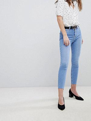 New Look Jeans med hög midja och fransad fåll i extra smal passform