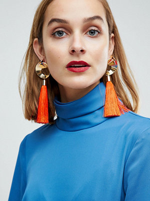 ASOS örhängen DESIGN swirl shape and tassel earrings