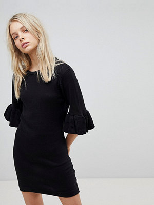 Brave Soul Orchid Jumper Dress with Frill Sleeves - Black