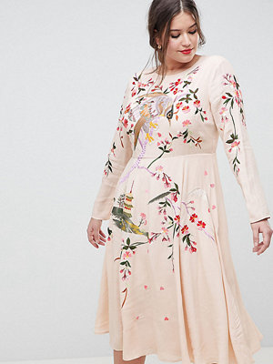 ASOS Curve ASOS DESIGN Curve midi dress with pretty floral and bird embroidery - Nude
