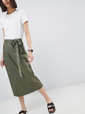 ASOS DESIGN tailored military pocket detail pencil skirt