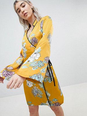 Boohoo Kimono Sleeve Dress