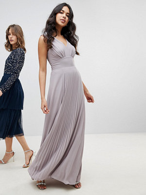 TFNC Sleeveless Maxi Bridesmaid Dress With Pleated Skirt