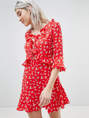 Boohoo Ditsy Cut Out Skater Dress
