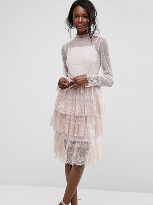 Boohoo Tulle Tiered Dress With Lace Trim