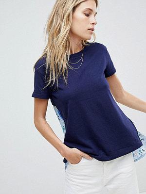 Oasis T-shirt med vävd rygg med blommigt/randigt mönster Marinblå