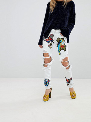 Glamorous Ripped Boyfriend Jeans With Badges - Bleach