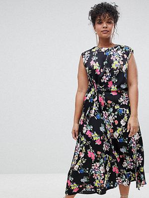 ASOS Curve ASOS DESIGN Curve drape midi dress in floral print