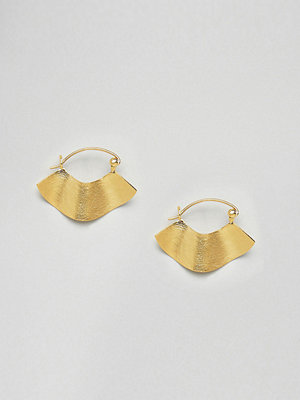 ASOS örhängen DESIGN Gold Plated Sterling Silver Fluid Satin Finish Hoop Earrings