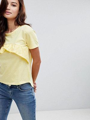 Brave Soul Maisy T-shirt med volanger framtill Banangul