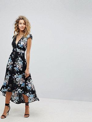 Ax Paris Ditsy Floral Print Maxi Dress