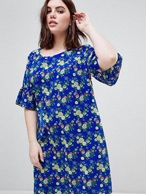 Junarose Fluted Sleeve Floral Dress