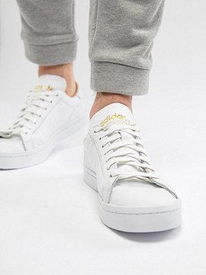 Sneakers & streetskor - Adidas Originals Court Vantage Trainers In White CQ2561