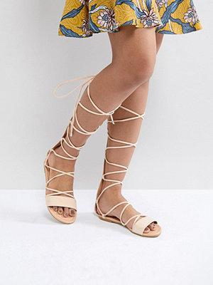 Sandaler & sandaletter - ASOS FLAMING Tie Leg Sandals