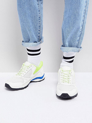 Sneakers & streetskor - ASOS Trainers In White And Neon With Chunky Sole